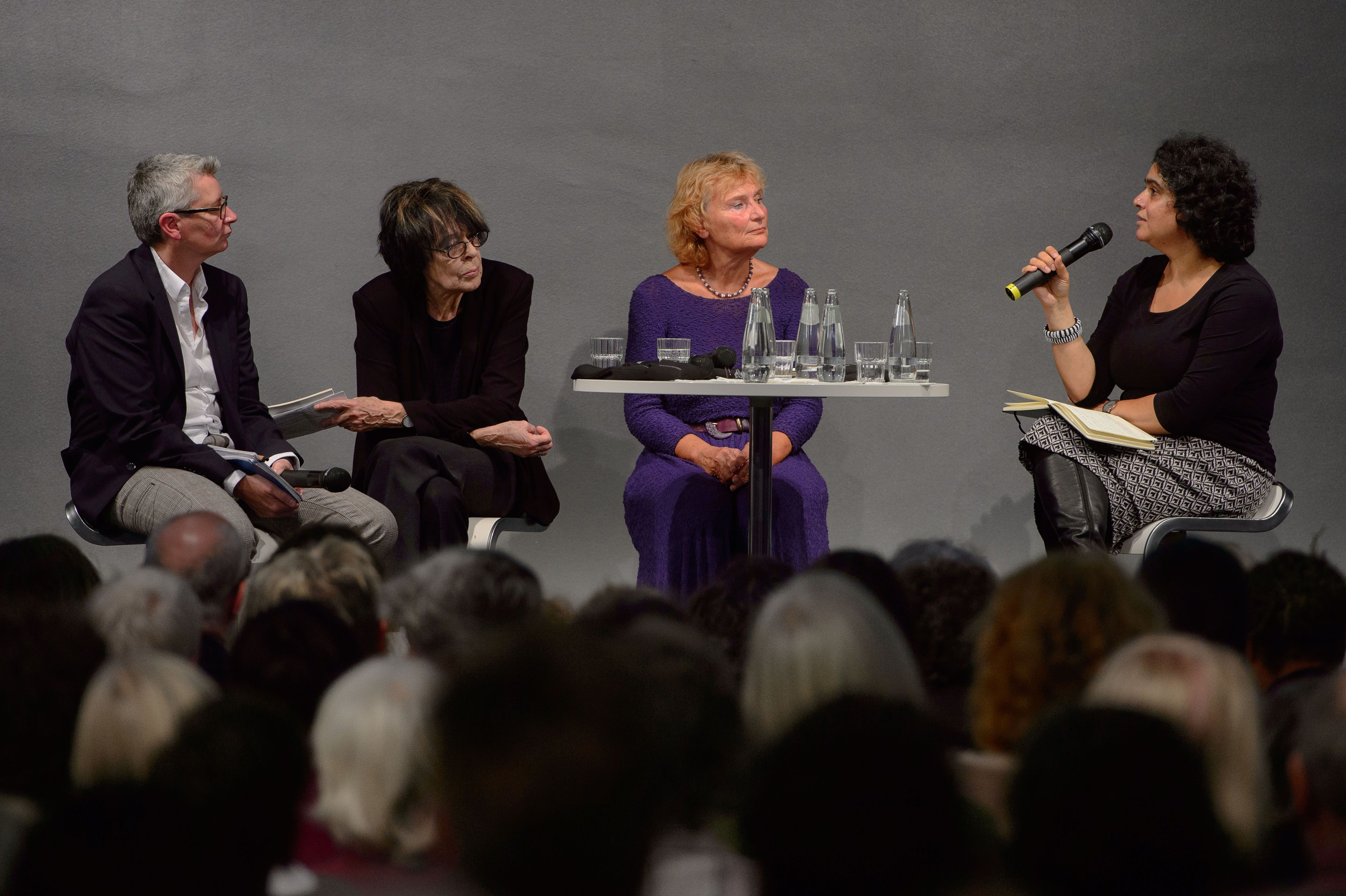 Podium v.l.n.r. Sabine Hark, Christina Thürmer-Rohr, Gitti Hentschel, Nivedita Prasad
